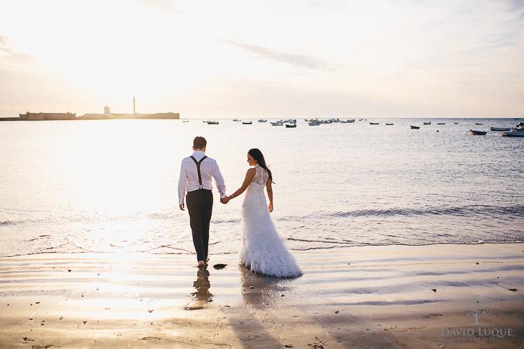 Matrimonio Catolico En La Playa : Post boda en cádiz playa de la caleta sonia nacho